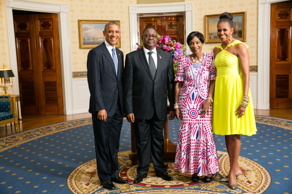 President_Barack_Obama_and_First_Lady_Michelle_Obama_greet_His_Excellency_Arthur_Peter_Mutharika,_President_of_the_Republic_of_Malawi