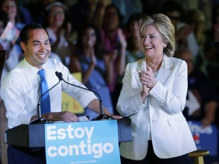 635819741795564523-AP-DEM-2016-Clinton.jpg